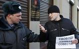 Поддержать оппозиционеров стульями: режиссер придумал протест-флешмоб