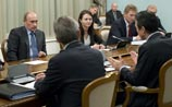 "WikiLeaks: Путин ""похоронил"" НАТО год назад. И вывел его генсека ""из равновесия"""