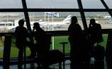 Аэропорты Израиля прекратили заправлять самолеты, тысячи пассажиров ждут