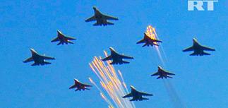 """Первый день МАКС-2011: высший пилотаж и """"дорожный кошмар"""""""