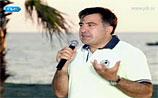 Саакашвили - детям: о несамостоятельном Медведеве и о разрушивших лагерь военных РФ