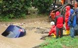 В центре Самары иномарка провалилась под асфальт и утонула: водитель погиб