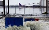 ЧП в Таиланде из-за наводнения. Один из аэропортов Бангкока ушел под воду
