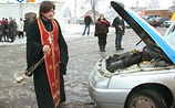 C Божьей помощью: ГИБДД Кургана решила приставить к машинам ангелов-хранителей