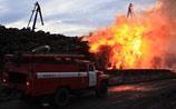 Пожар в порту Архангельска: пламя угрожает жилым домам, огонь тушат все пожарные города