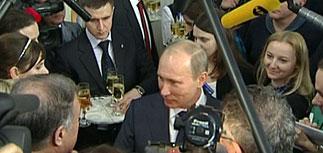 Путин отказался от диалога с протестующими и пообещал не сменять Медведева досрочно