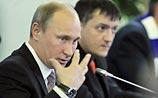 """""""Перевод стрелок"""": Путину тоже трудно встать утром, но все претензии - к Медведеву"""