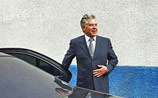 Mercedes саратовского губернатора попал в ДТП на разделительной