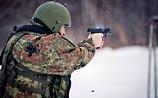 """Армия меняет """"Макарова"""" на новый пистолет: вызывает """"положительные эмоции"""" (ФОТО)"""