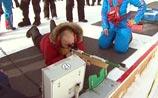 Всплакнувший Путин снова мачо. Он неплохо стреляет из биатлонной винтовки (ВИДЕО)