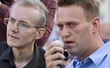 Навальному рассказали об уголовном деле против него. В МВД спешно объяснились