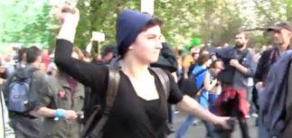 Басманный суд отправил под домашний арест девушку, бросавшую камни на Болотной