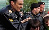 Акции протеста в Москве прошли с задержаниями: ловили геев и людей в белом