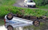 В Польше зрители спасли гонщиков, которые чуть не утонули (ВИДЕО)