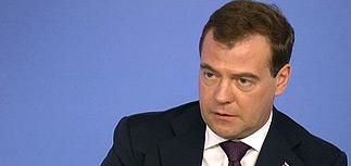"""Медведев - лучшему интервьюеру: """"технических премьеров"""" в РФ не бывает"""