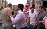 """После драки с """"русскими свиньями"""" в питерский магазин нагрянул ОМОН. А те сбежали от полиции"""