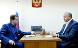 Саратовские дороги с закатанной кошкой все же подвели и расстроили Медведева