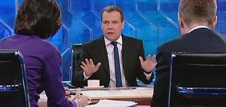 Пытаясь проявить активность по ТВ, Медведев снова стал #жалким