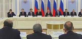 Медведев объявил о пенсионном провале: кабинет Путина ошибся в расчетах на триллион