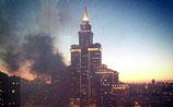 """Второй за день пожар в столичной высотке: в элитном """"Триумф-Паласе"""" сгорела квартира"""