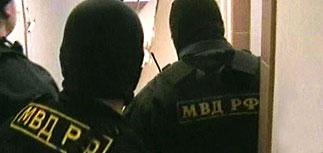 У задержанных в московском общежитии антифашистов начались обыски