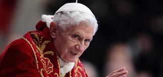 Такого не было 600 лет: Папа Римский покидает престол