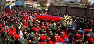 Прощание с Чавесом: катафалк окружили десятки тысяч (ФОТО)
