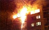 Сильный пожар, взрыв и разрушения в столичной многоэтажке. Есть жертвы