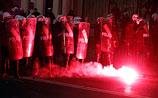 ВИДЕО: польские националисты атаковали посольство России, устроив пожар