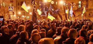Демонстранты в Киеве устроили у администрации президента блокаду на час