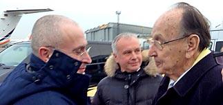 Спецоперация по освобождению Ходорковского в День чекиста: он приземлился в Берлине