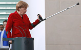 Меркель получила травму на лыжной трассе и взяла тайм-аут на три недели