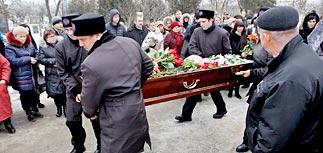 В Волгограде хоронят погибших  и ищут террористов