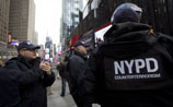В США арестованы 80 полицейских и пожарных, притворявшихся больными