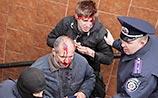 В Харькове битами избили сторонников единой Украины, звучали выстрелы