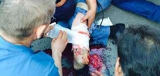 В Красноармейске Донецкой области вооруженные люди расстреляли толпу (ВИДЕО)