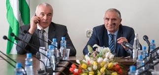 Парламент Абхазии назначил и.о. президента и дату выборов