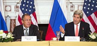 """Лавров и Керри договорились """"использовать влияние"""" для прекращения боев на Украине"""
