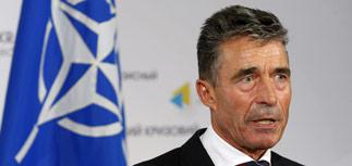 НАТО осуждает ввод российского гуманитарного конвоя на Украину