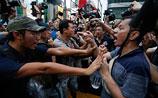 Протестующие в Гонконге отвергли переговоры после атаки провластных активистов