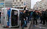 Погромы в Кельне: футбольные ультрас против салафитов, полиция применила водометы