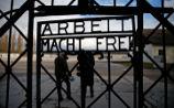 Вывеску Arbeit macht frei с ворот концлагеря снова украли - теперь в Дахау