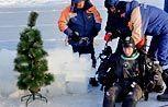 На дне: в Черном и Охотском морях установили праздничные елки