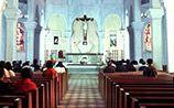 Порноактрисе из Австрии, прямо в церкви совершившей непотребство, дали три месяца условно