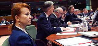 Совет ЕС отказался смягчать санкции против России