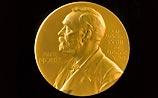 Усманов вернул награду ученому, который обещает за пять лет создать лекарства от рака
