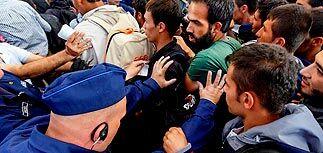 Под видом беженцев в Европу проникают исламские радикалы