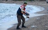 СМИ резко критикуют власти ЕС после смерти 3-летнего беженца из Сирии