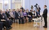 Медведев объявил о сокращении зависимости бюджета от экспорта нефти на 25%