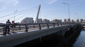 """У властей Петербурга возникли проблемы с установкой  вывески """"Мост Кадырова"""""""